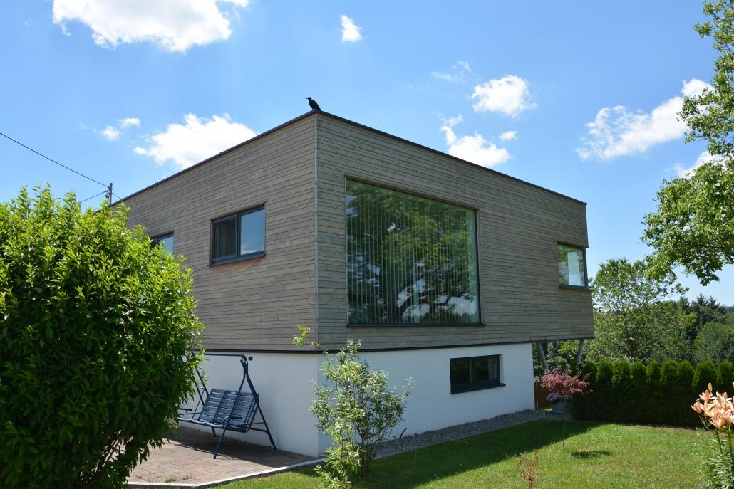 Dieser Moderne Anbau Eines Wurde Mit Fenster Tren Tore Sonnen Und With  Modernes Bauernhaus